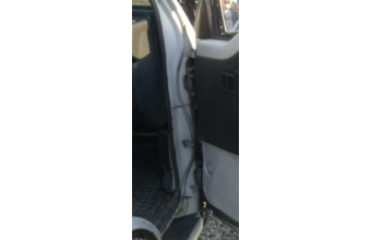 1996 model mitsubishi l300 çıkma sağ ön kapı menteşesi
